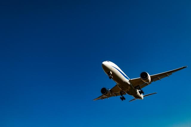 ジャンボジェット機の写真